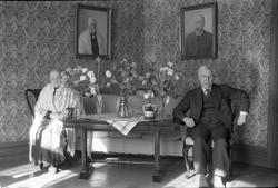 Otilie Nøkleby og broren Peder Anton (Per) Øverseth avbildet