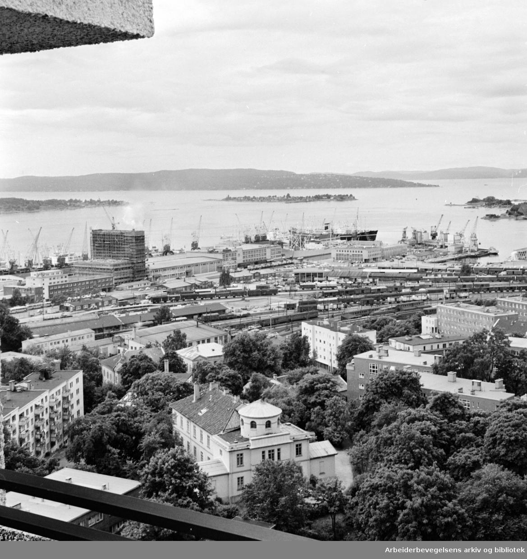 Vestre Vika. Utsikt fra Indeksbygget. Juli 1965