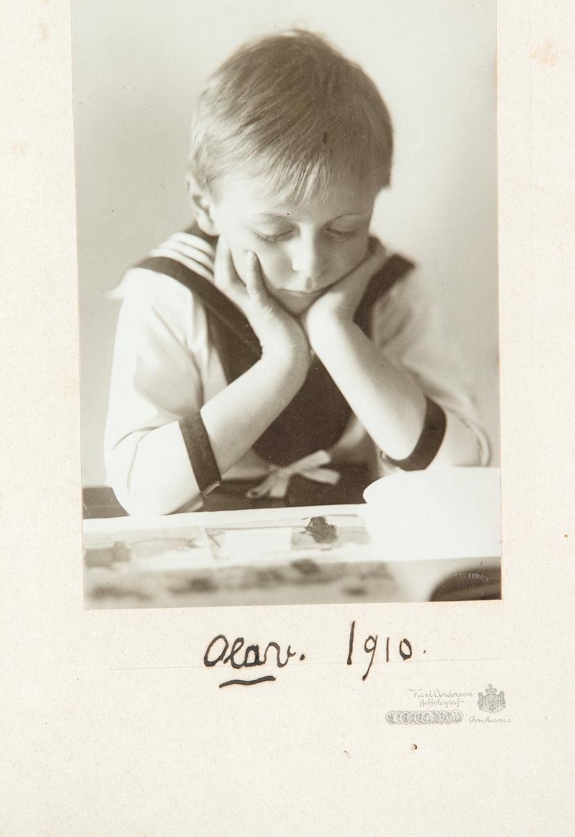 Portrett av Kronprins Olav V