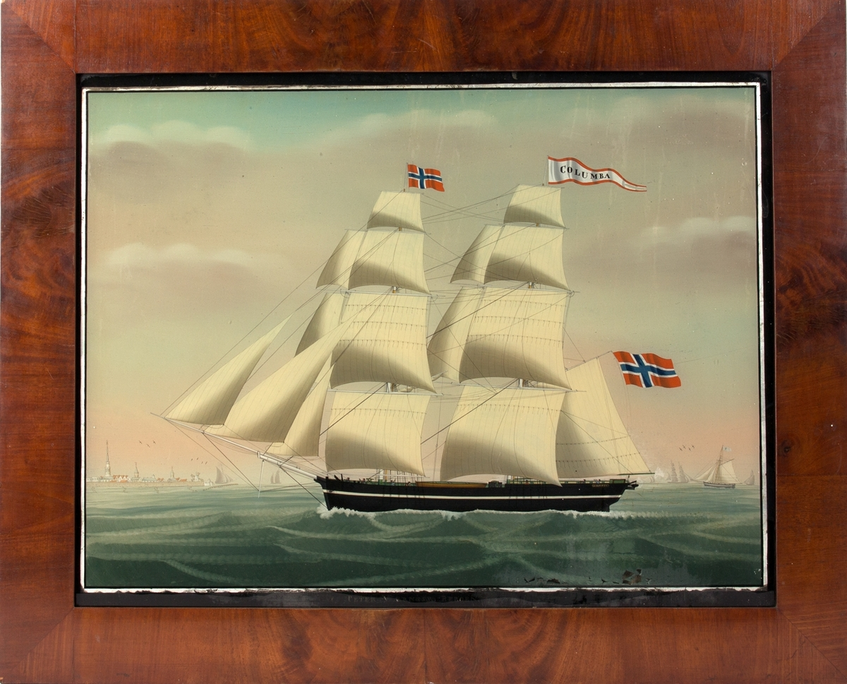 Underglassmaleri av brigg COLUMBA. Til venstre i motivet sees vindmøllene ved den nederlandske byen Vlissingen. Skipet fører rent, norsk flagg på fortoppen, og navnevimpel på mesanmasten. Til høyre i motivet sees flere mindre skip i horisontent. 7 mann på dekk.