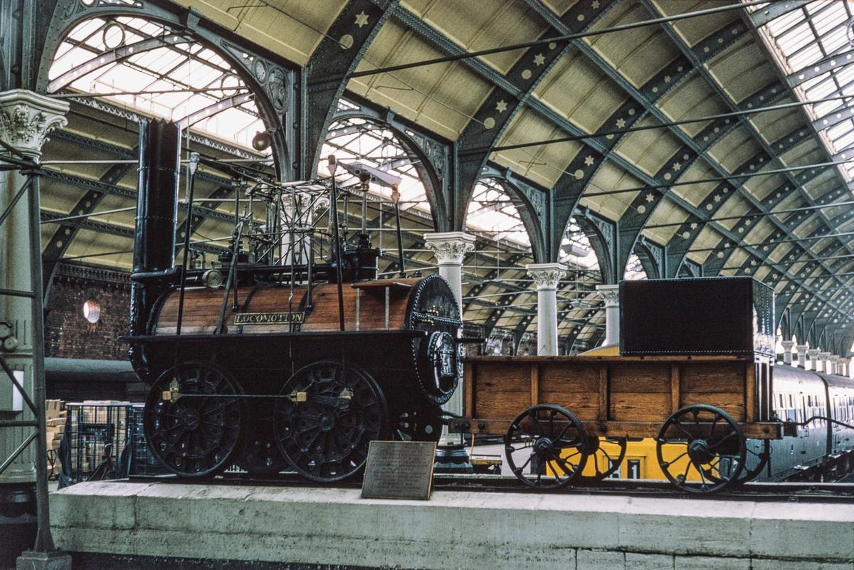 Locomotion.. George Stephenson's første lokomotiv, bygget i 1825. Det er det originale loket.