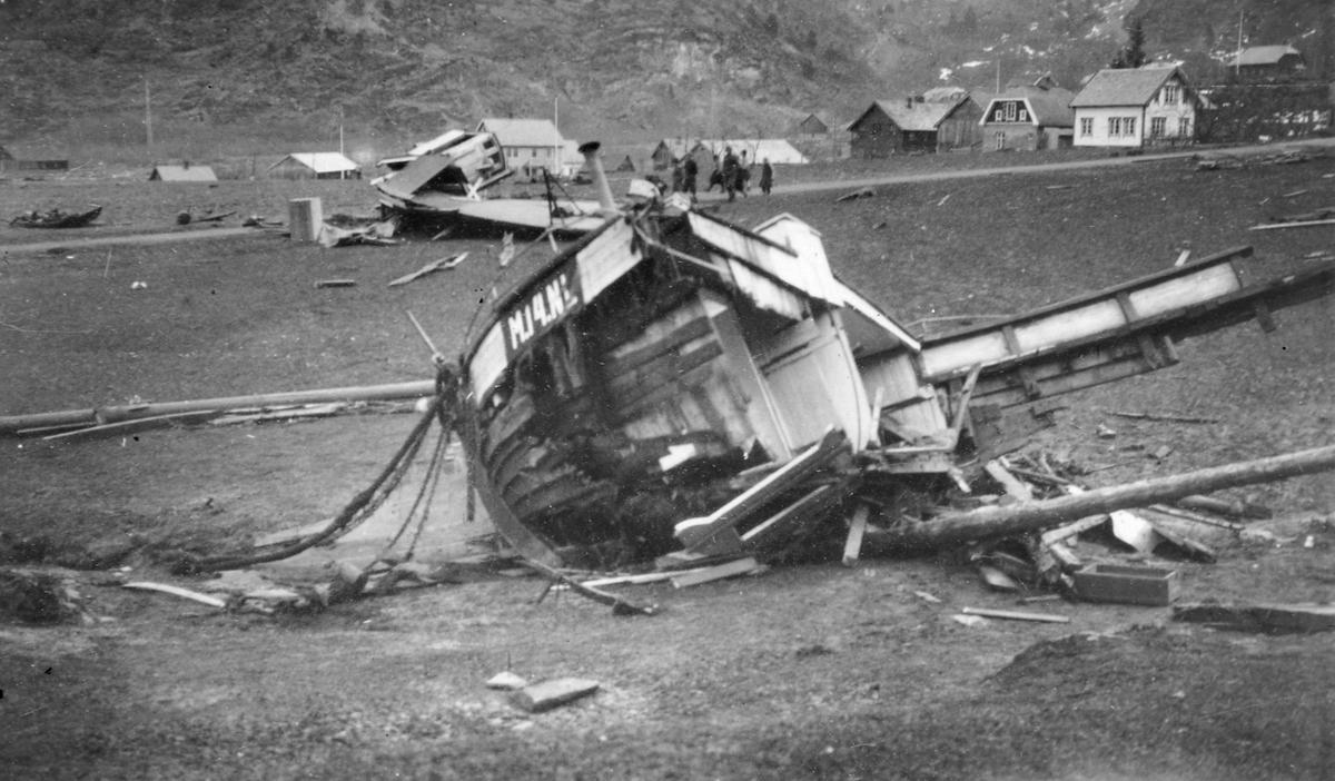 Etter ulykken i Tafjord og i Fjøra 7. april 1934