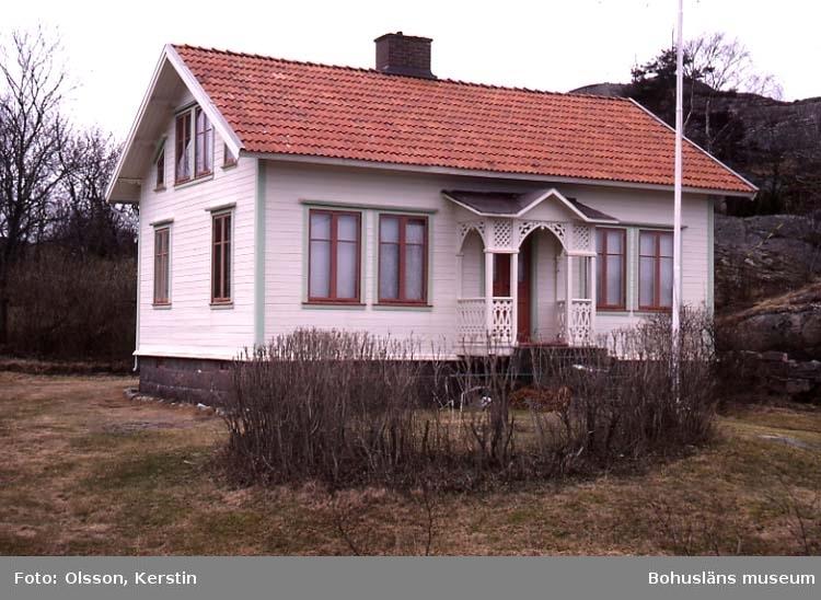 """Text på kortet: """"Slävik? April 1987""""."""