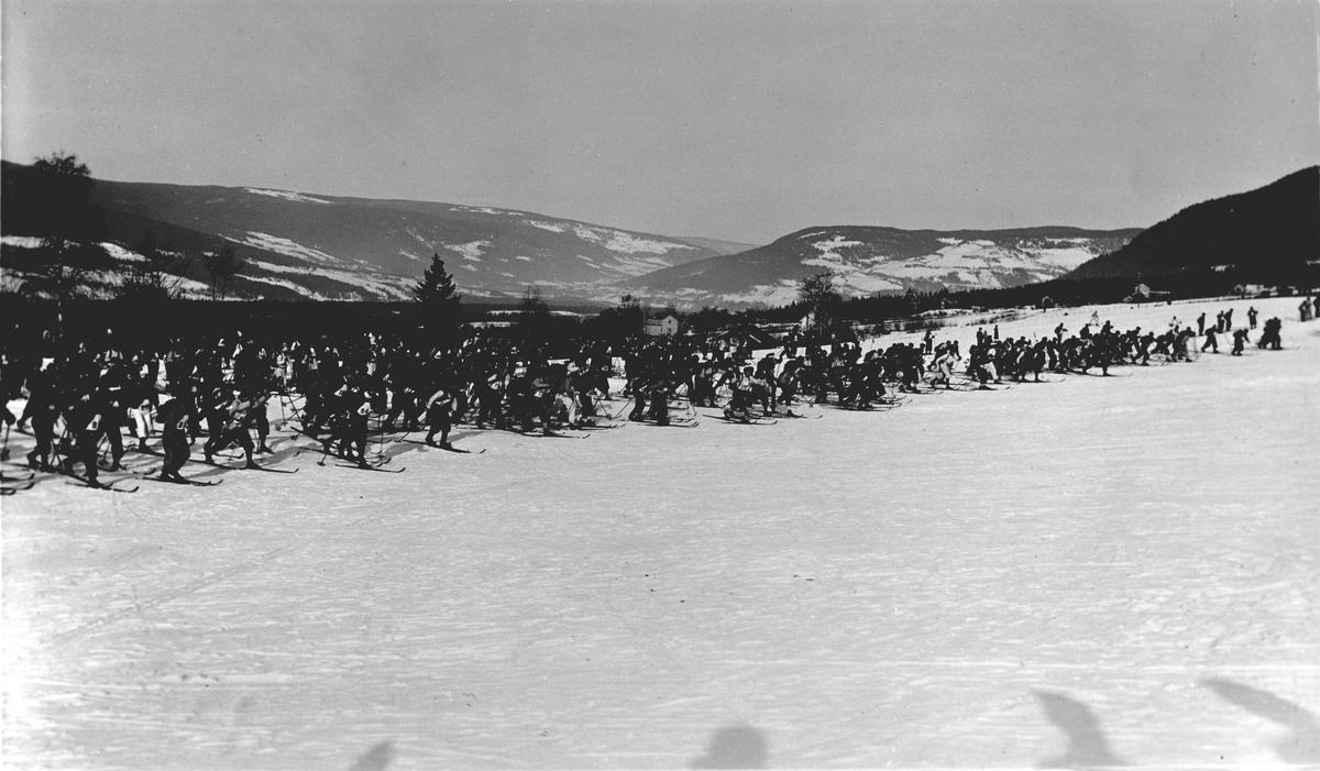 Repro, gruppe, start i birkebeinerennet 1935