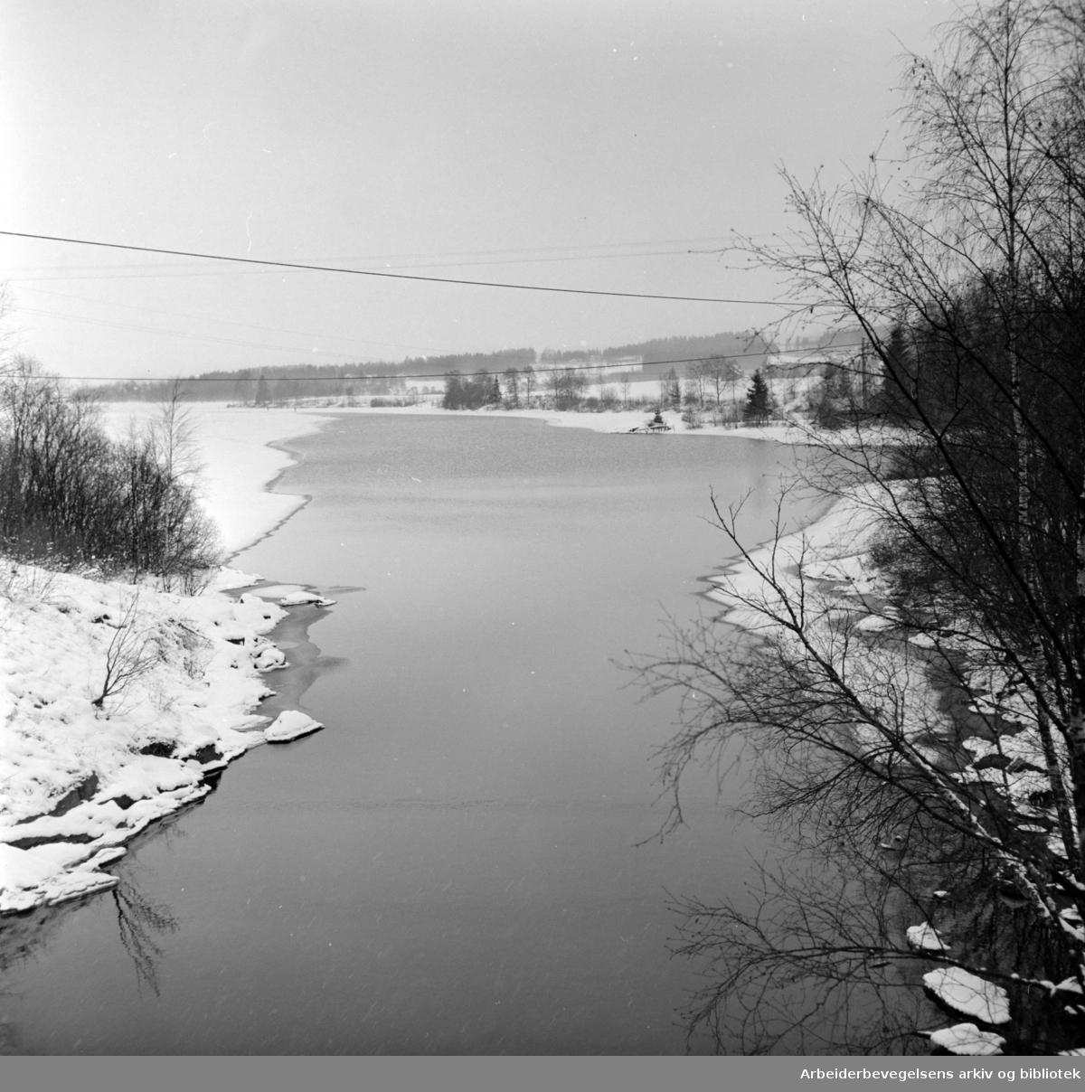Maridalen: Maridalsvannet. Desember 1958