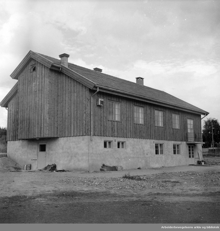 Korsvoll idretts og kulturhus. September 1952
