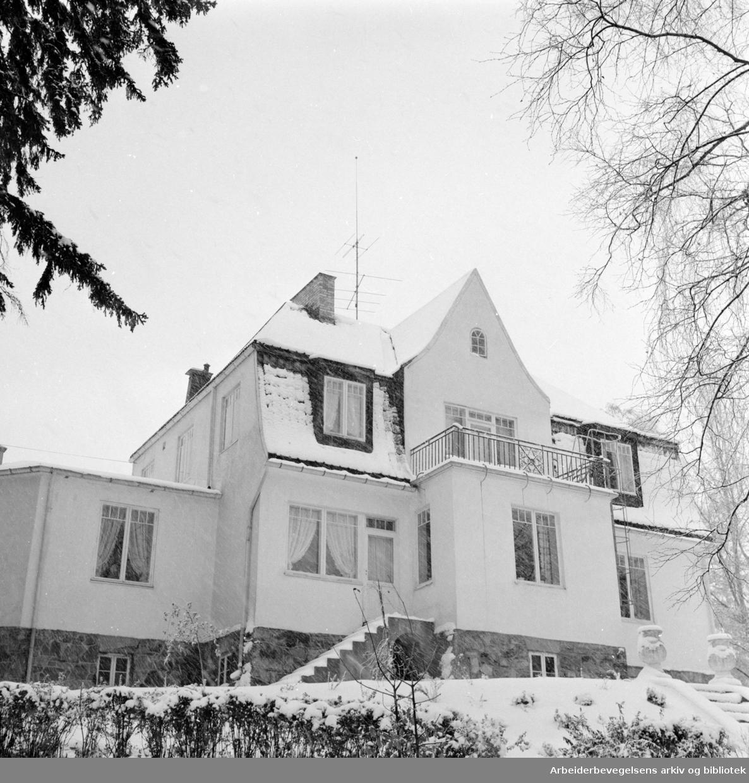"""""""Granbo"""". Hjem for unge piker. (Støttelaget for åndsvake).November 1960"""