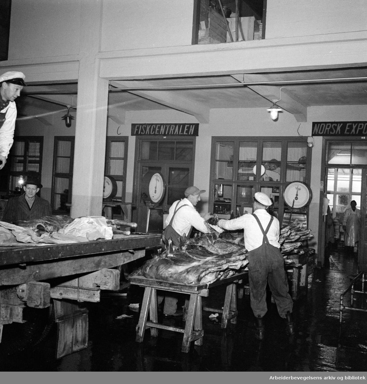 Fiskehallen. Desember 1957