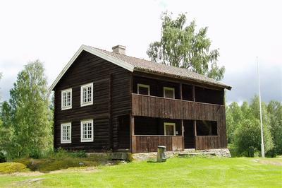 Våningshus. Foto/Photo