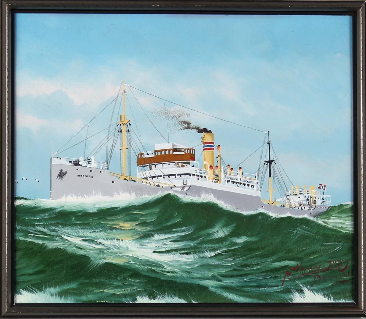 Skipsportrett av DS IDEFJORD under fart i åpen sjø.