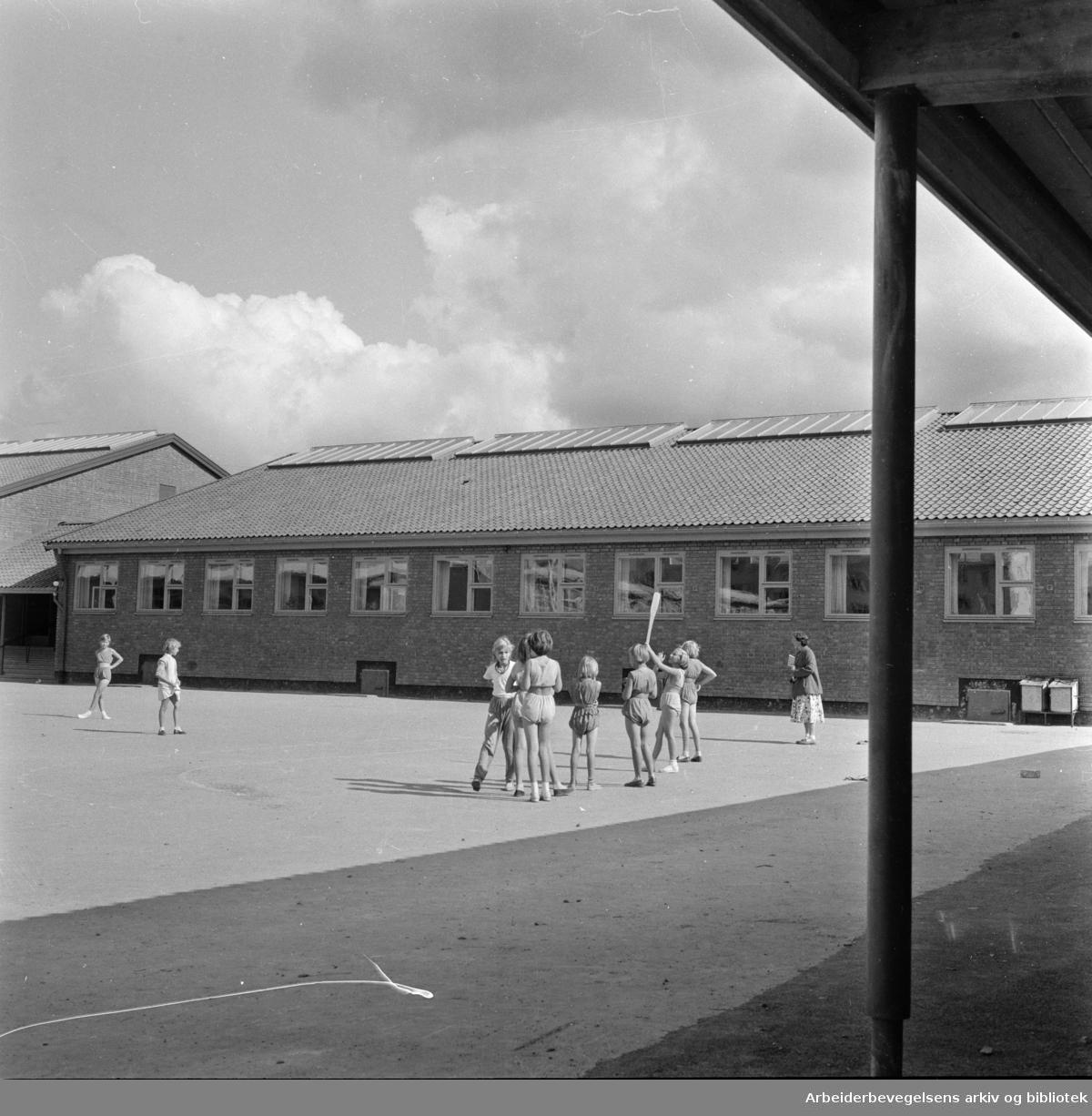 Årvoll skole. September 1957