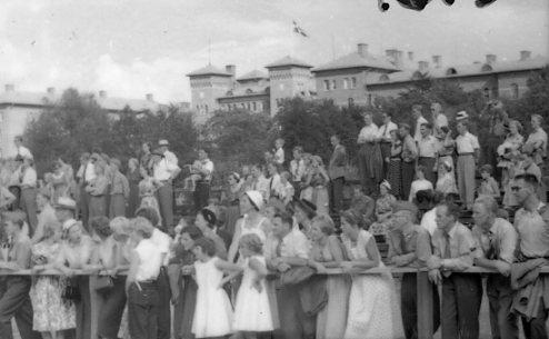 Regementets Dag 1955, A 6, Jönköping. Rocksjövallen. skådare.