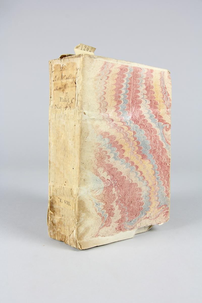 """Bok, häftad, """"Biblioteque raisonée des ouvrages des savans de l´Europe"""",  del 8:1, tryckt 1732 i Amsterdam. Pärmar av marmorerat papper, blekt rygg med påklistrade etiketter med titel och samlingsnummer. Oskuret snitt, ej uppskuren."""