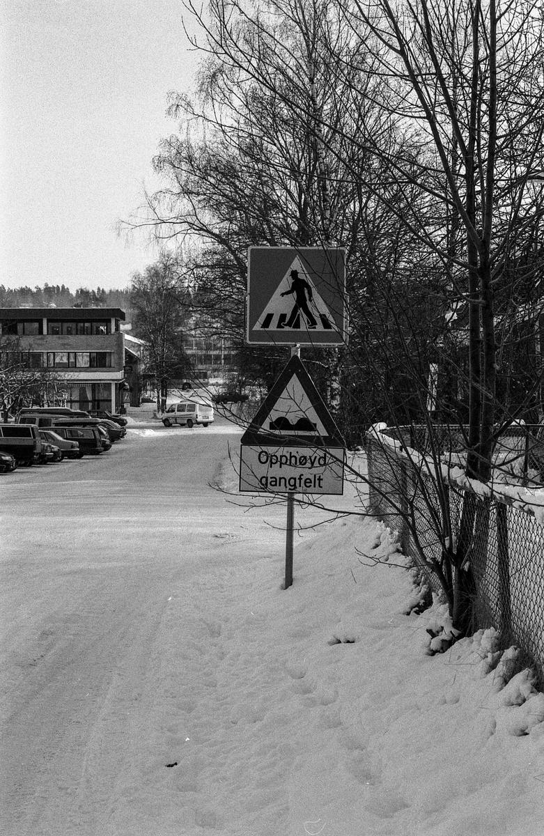 Trafikken i Ås sentrum.