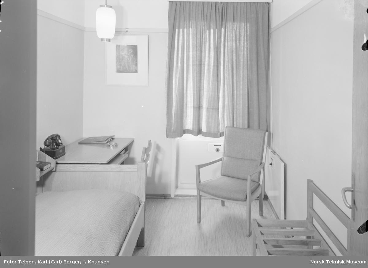 Interiør fra rom på Hotell Viking.