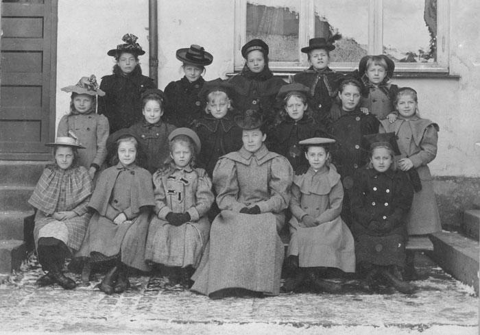 Forskolen i Fayegården. Læreren var Augusta Lund.