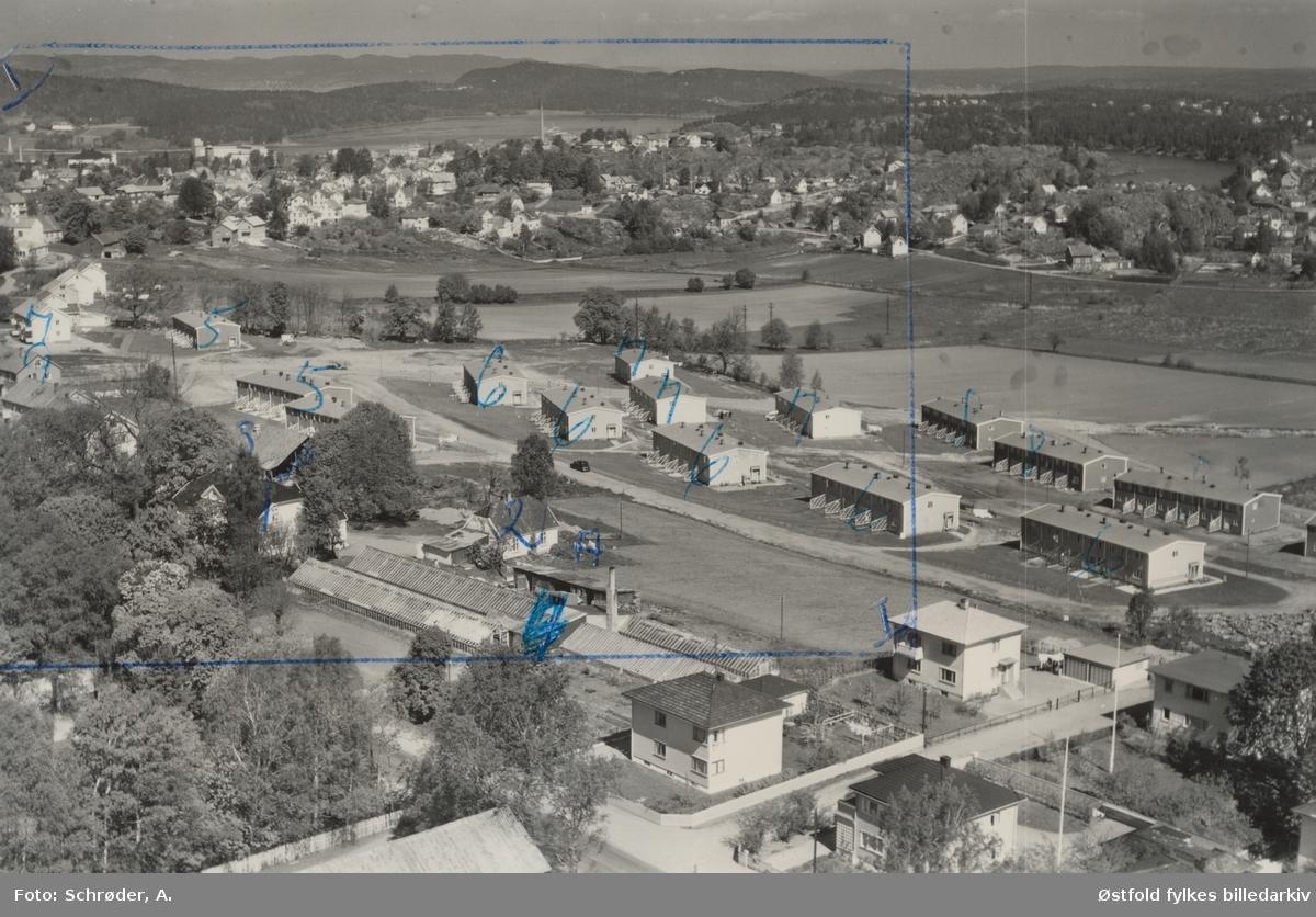 Flyfoto av boligområdet Høyden, på grensam ellom Rygge og Moss kommune  20 mai 1959.