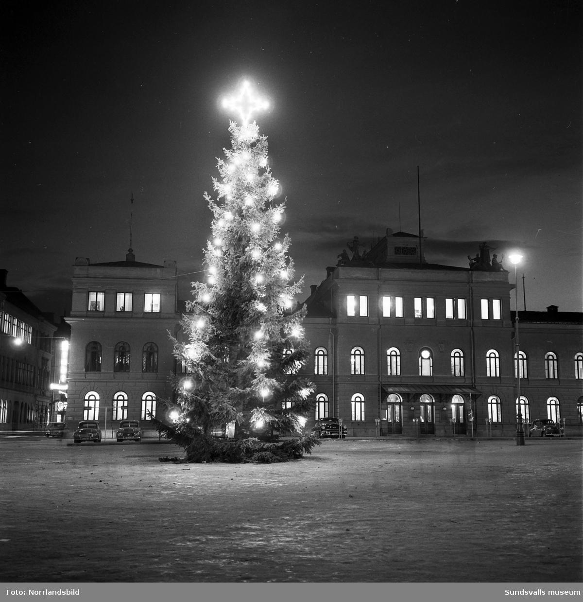 Julgranen på Stora torget 1957.
