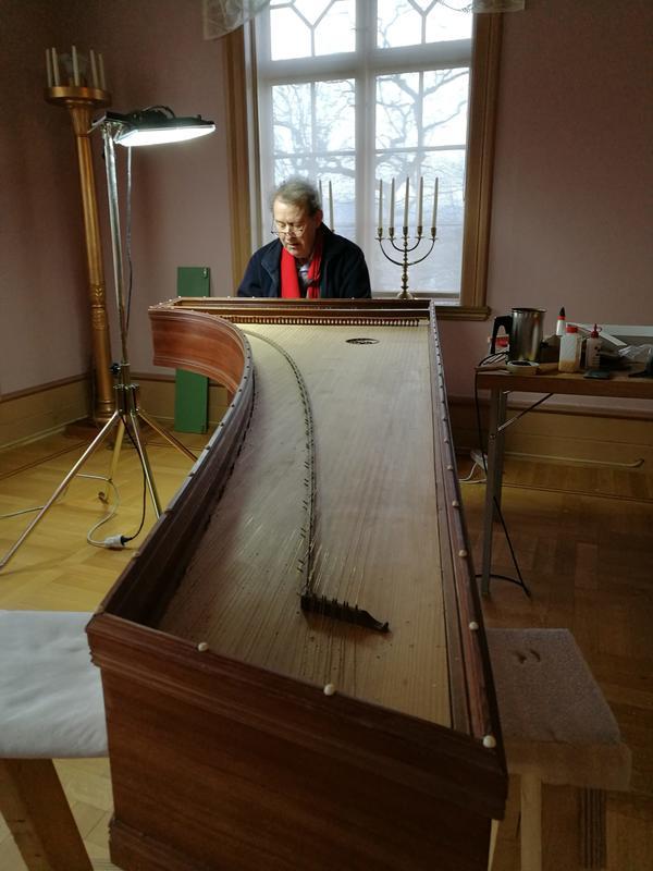 Som utøvende musiker har Ketil Haugsund turnert mye i Europa og USA.
