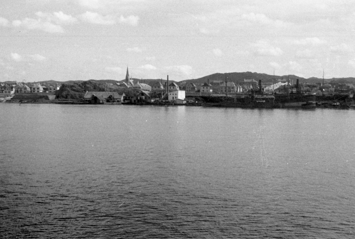 Innseilingen til Haugesund. Suderøy på vei til fangstfeltet.