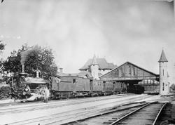 Statens Järnvägar, SJ Db 401 med persontåg mot Stockholm