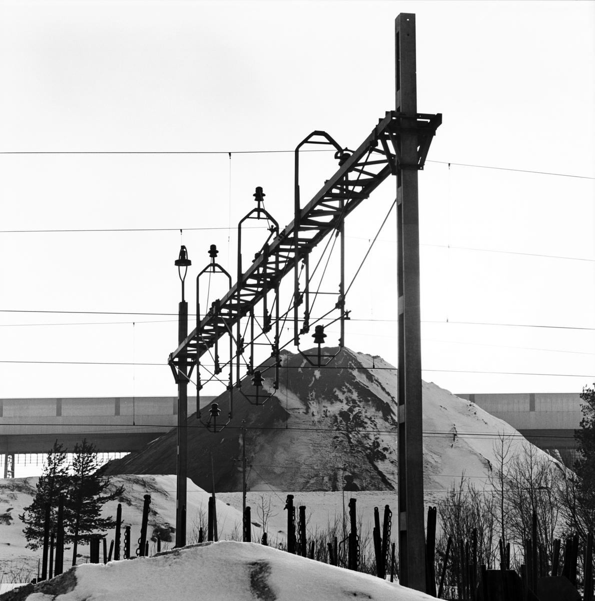 Kontaktledningsbrygga. Malmbangård, Luleå-Notviken