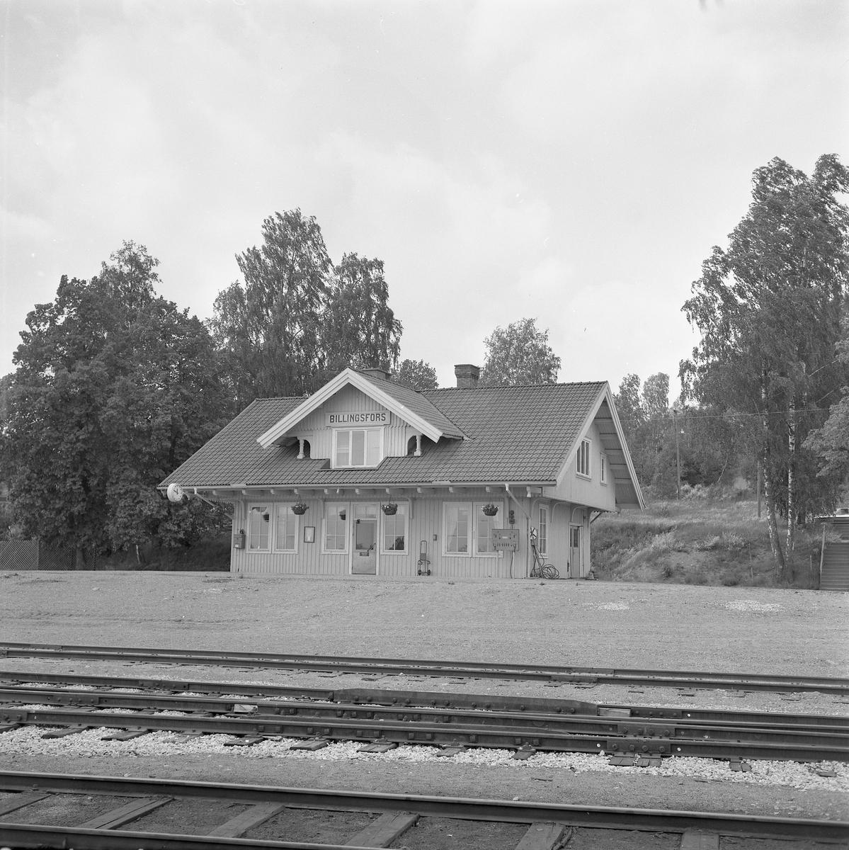 Stationen anlades 1895. Stationshuset , en och en halv våning i trä, restaurerades fullständigt 1949. Pressbyråkiosk