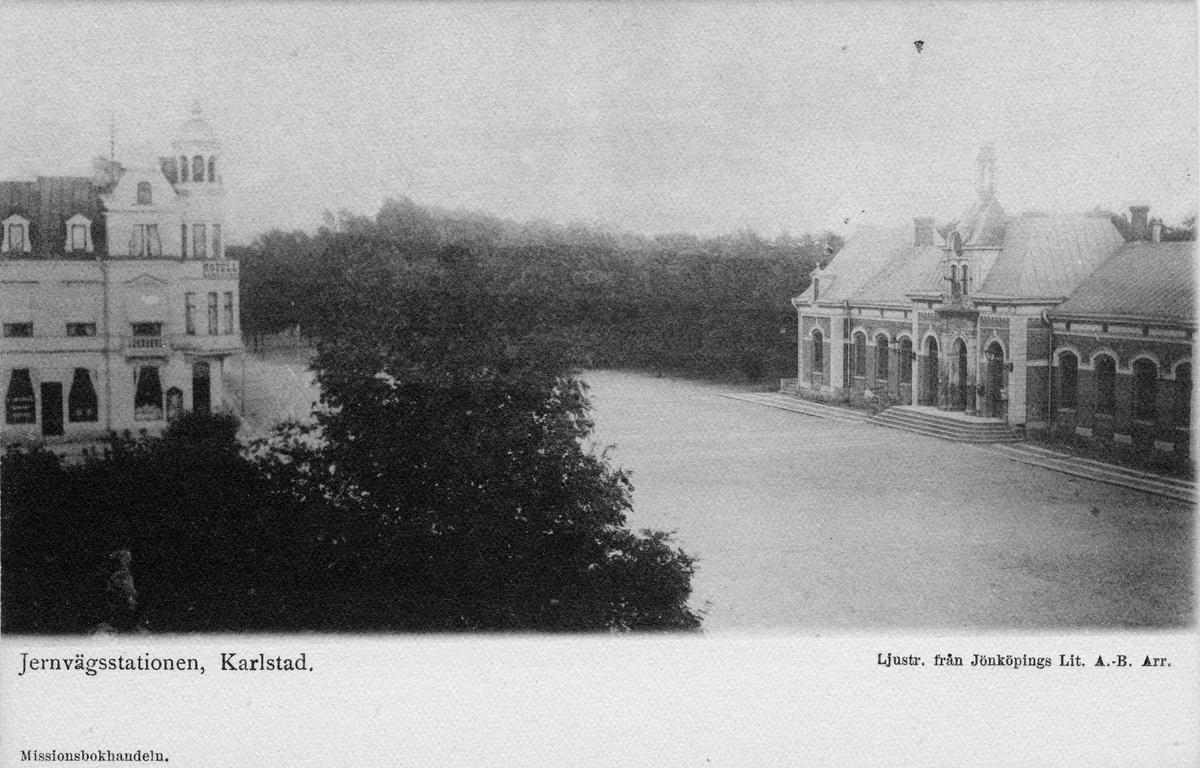 Centralstationen i Karlstad. Vid järnvägsspåret mellan Kristinehamn och Fryksta. Stationshuset byggt 1869.