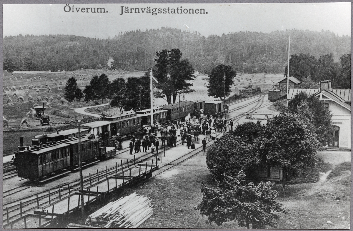 Vy över Öfverums järnvägsstation.