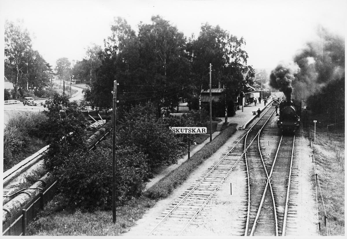 Skutskärs station sett från vidadukten.