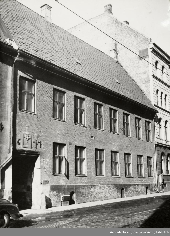 Dronningens gate 11. Mars 1950