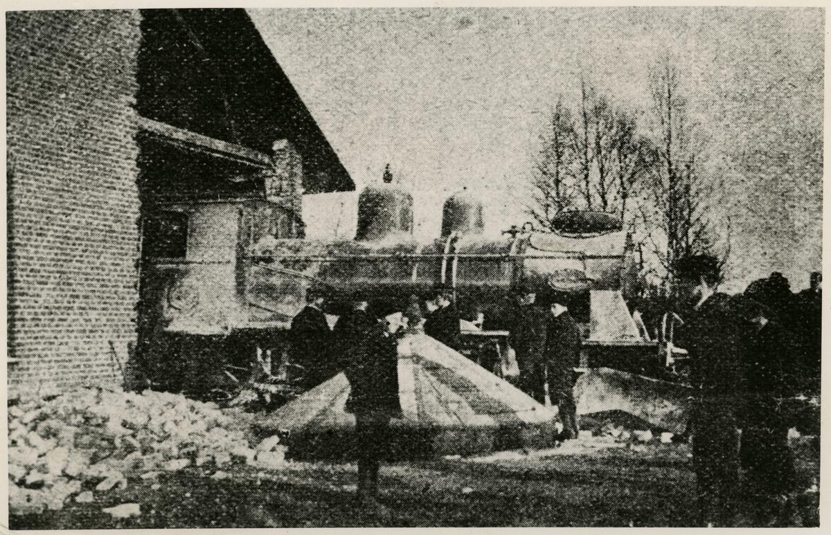 Halmstad Nässjö Järnväg, H.N.J. Lok körde igenom lokstallets vägg