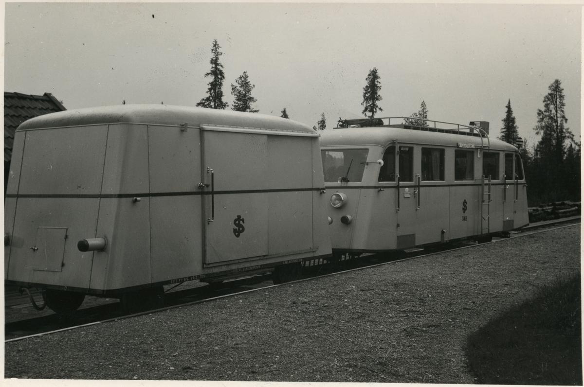 Motorvagn SJ Y6b 342 med släpvagn SJ Y1 516. Tillverkare Hilding Carlsson.