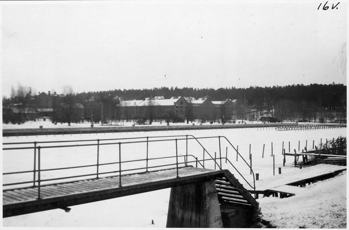 Del av bangården vid sjön i Arvika.
