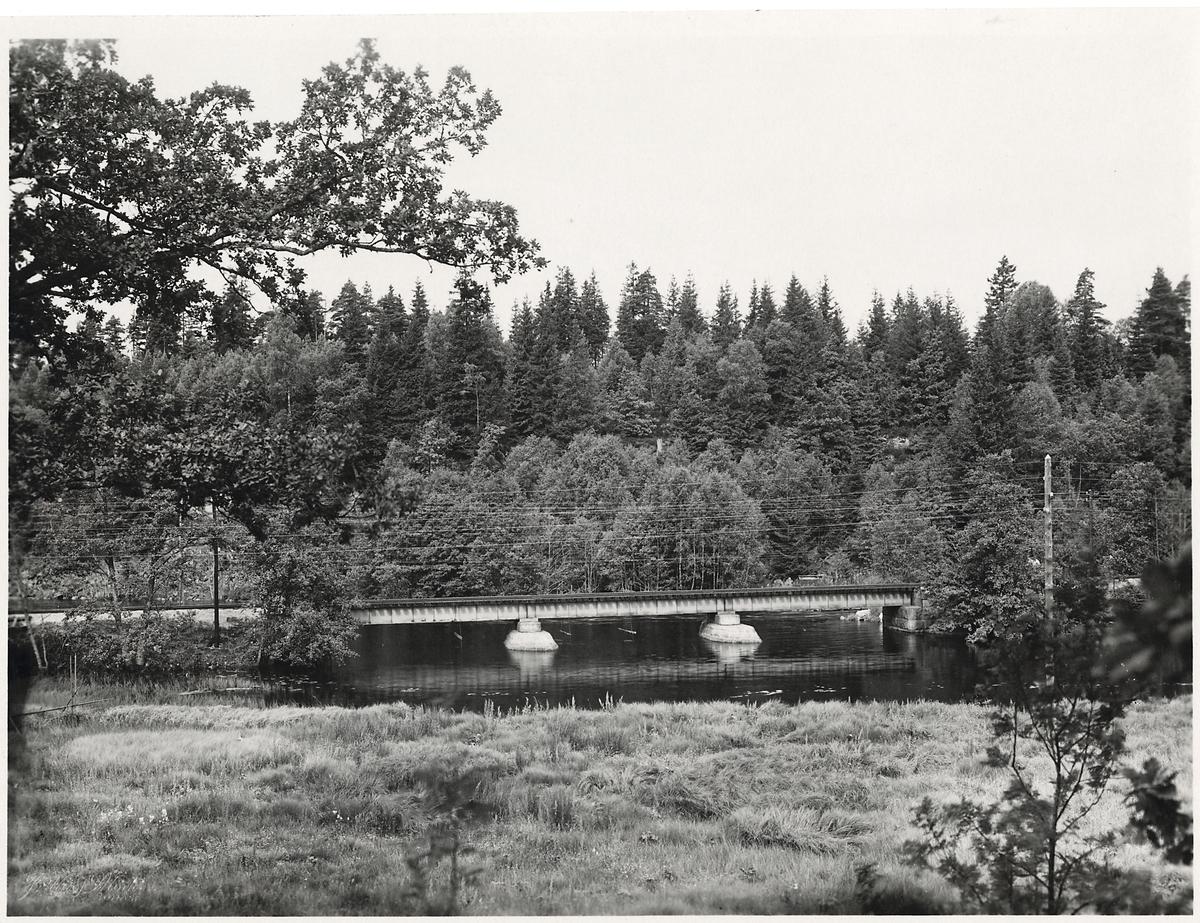 Järnvägsbro över Viskan på linjen mellan Viskafors och Rydboholm.