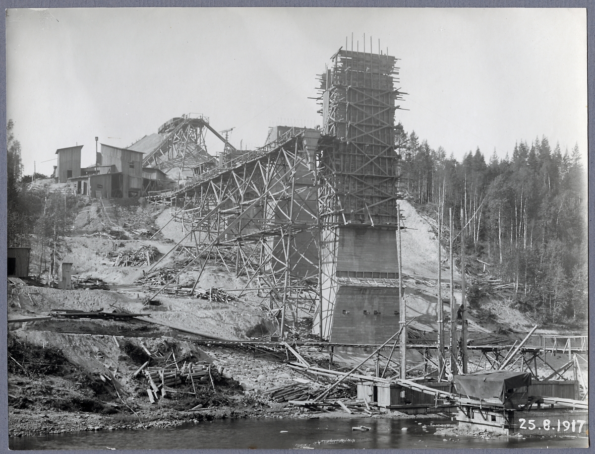 Brobygge över Öreälven.