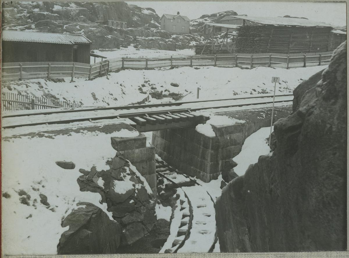 Vägport vid Adolfsberg i Uddevalla
