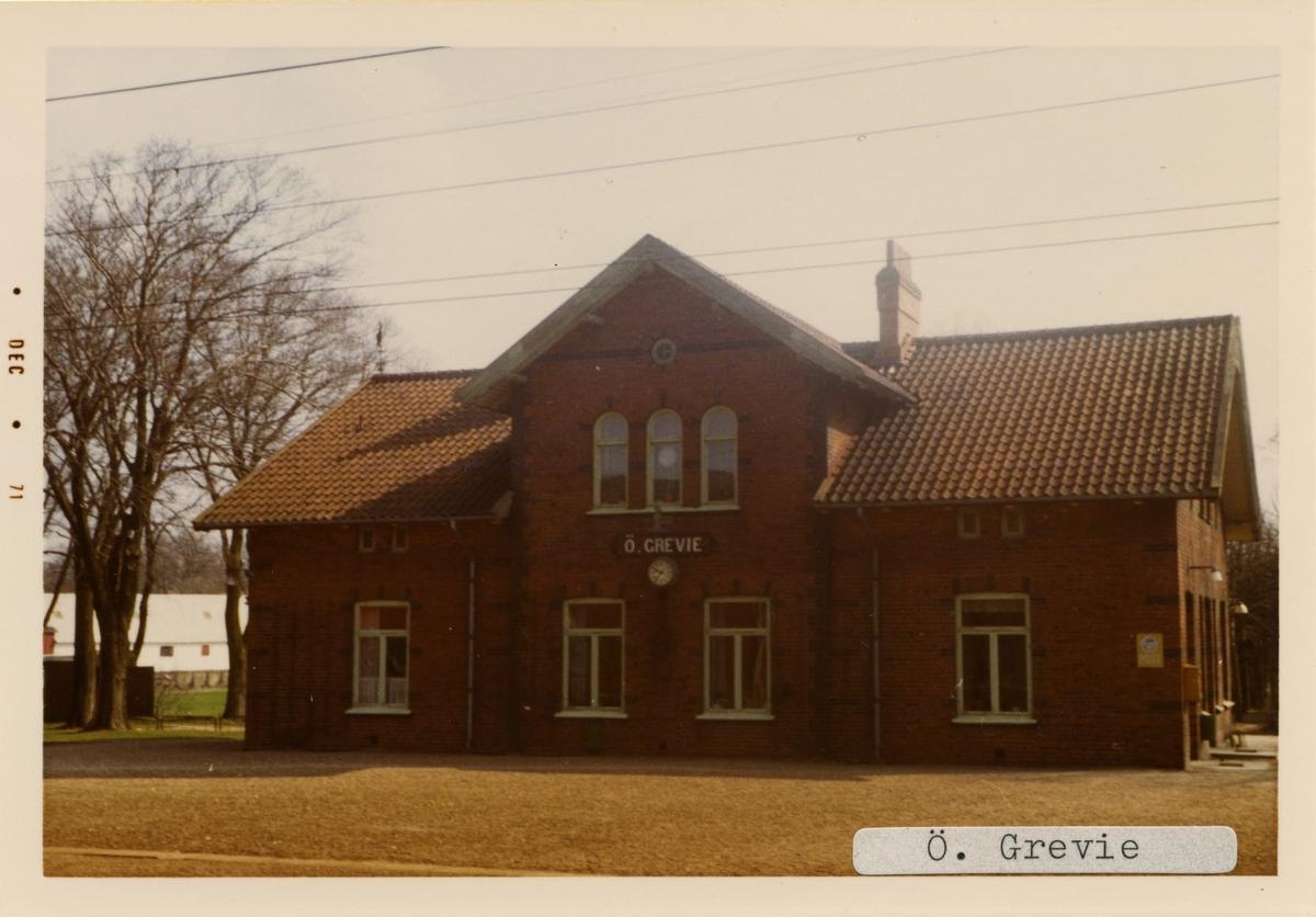 Östra Grevie station 1971. Malmö - Kontinentens Järnväg, MkontJ. Stationen byggdes och öppnades 1898. Banan elektrifierades 1933. Lades ner 1973.