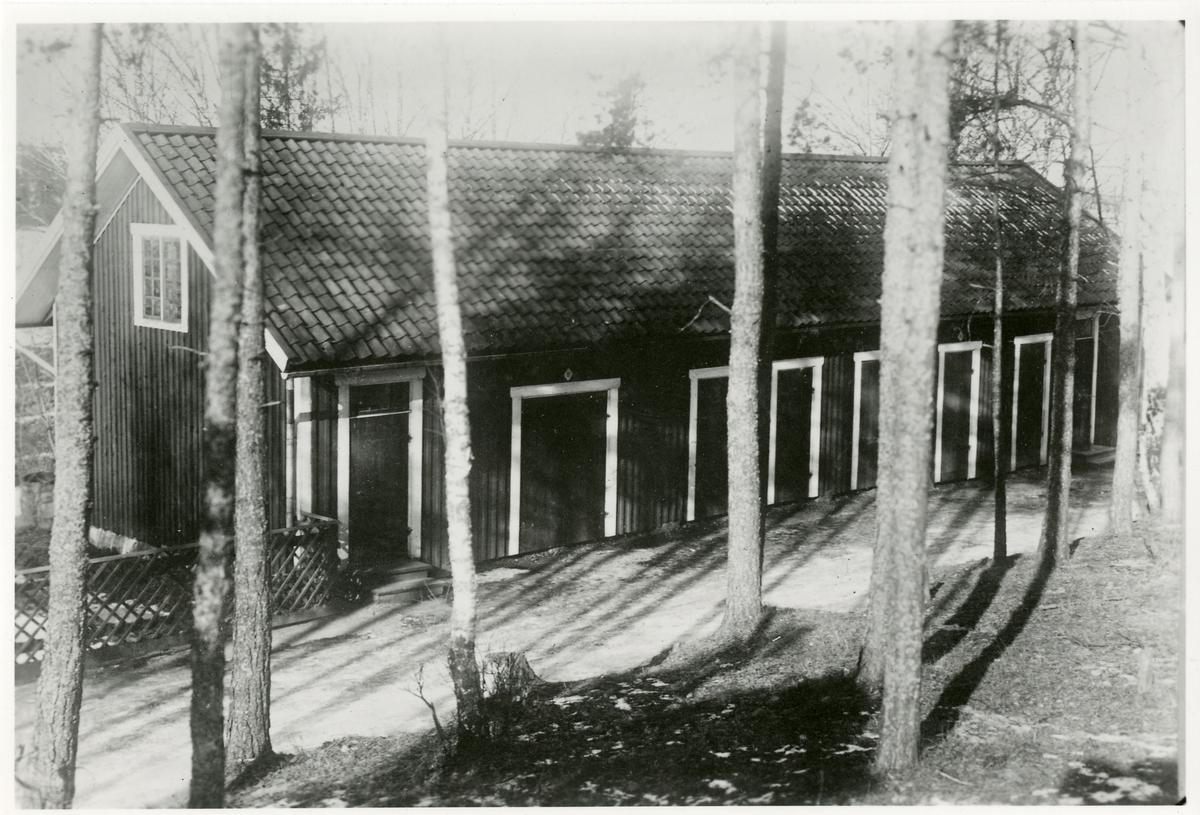 Före detta stallbyggnad som blev uthusbyggnad i Fryksta.