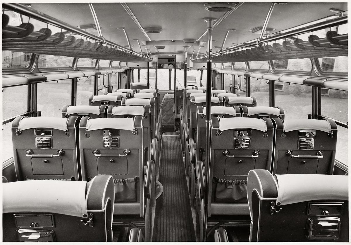 Interiör från en turistbuss.