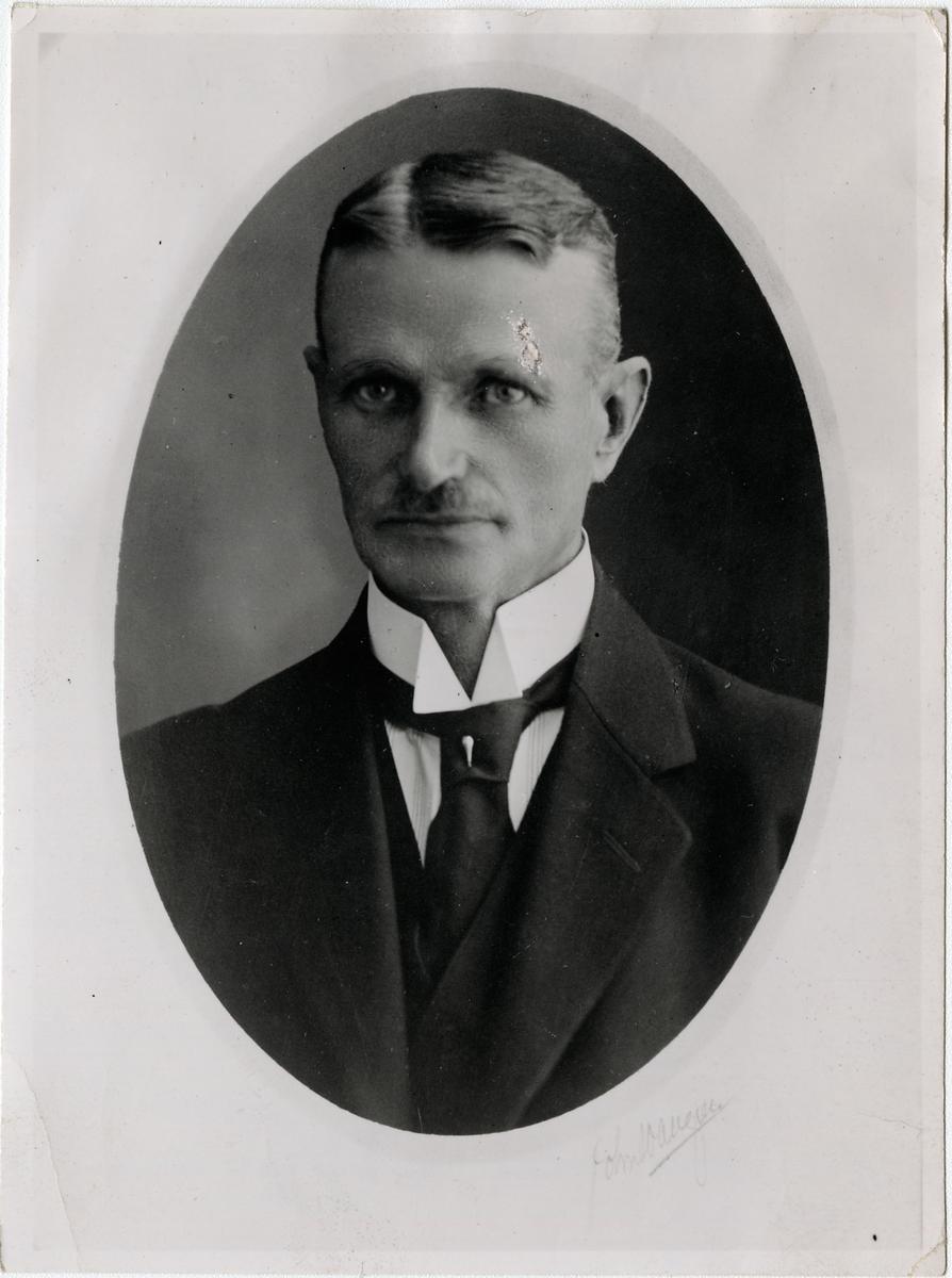 Jeppa Nilsson, stationsinspektor i Västanfors 1921-1926.