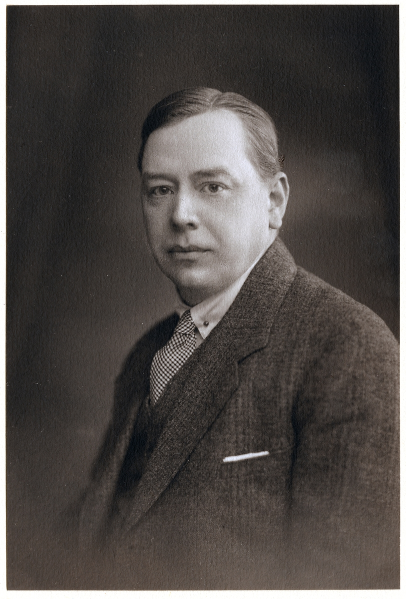 Axel Hjalmar Tiderman, underingenjör.