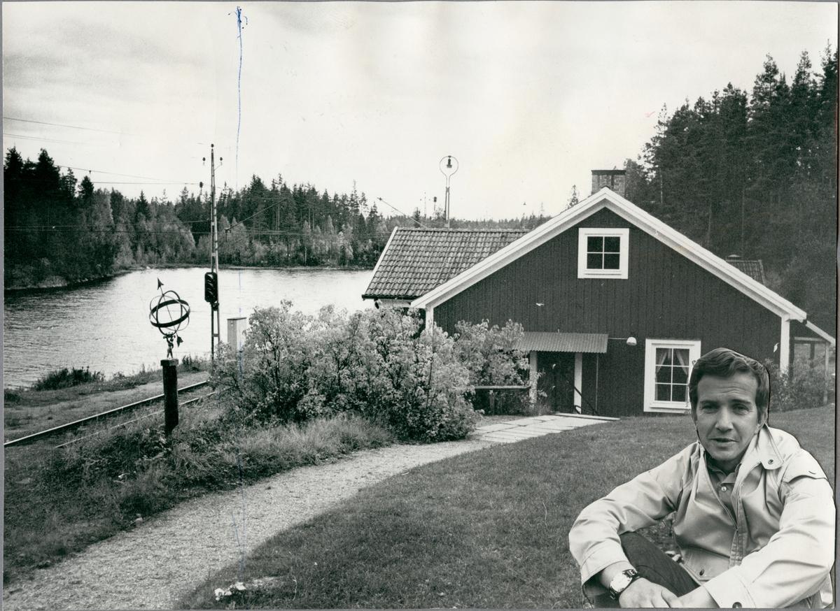 Fritidsgården vid Harsjön med stugfogden Andersson.