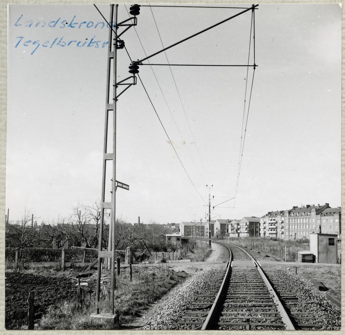 Järnvägsövergång vid Tegelbruksgatan i Landskrona på linjen mellan Billeberga och Landskrona.