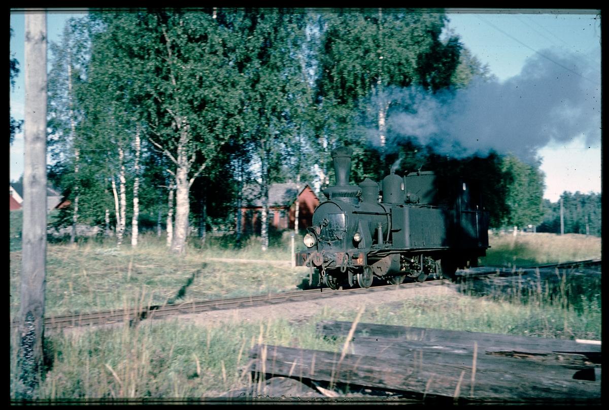 Dala-Ockelbo-Norrsundets Järnväg, DONJ lok 13.