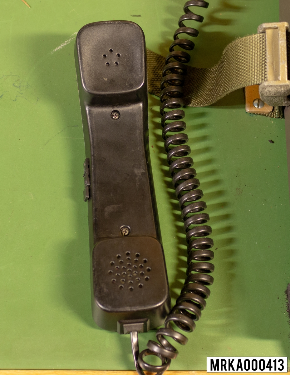 """Handmikrotelefon till Förmedlingsapparat FMA """"Digimat 2000""""."""