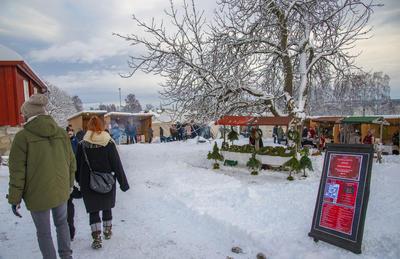 Julemarkedet var bra besøkt.