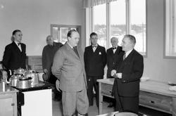 Kronprins Olav besøker Åsveien skole på Byåsen