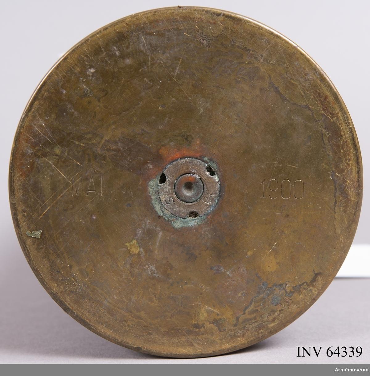Grupp F II. Hylsa till 7,5 cm kanon märkt 1900.