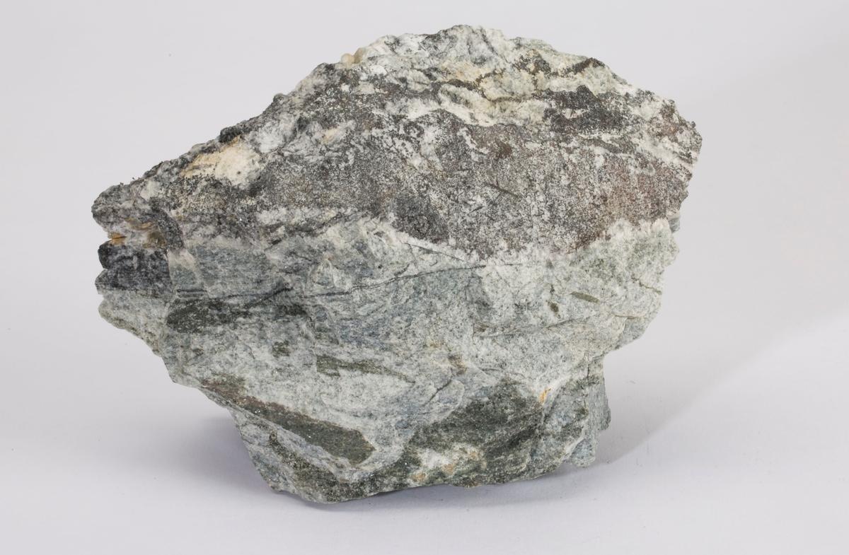 Gangstykke med sølv i kalsitt/kvarts Gottes Hülfe gruve, Nordlige gang nr. 1, 210 m Vekt: 1975,35 g